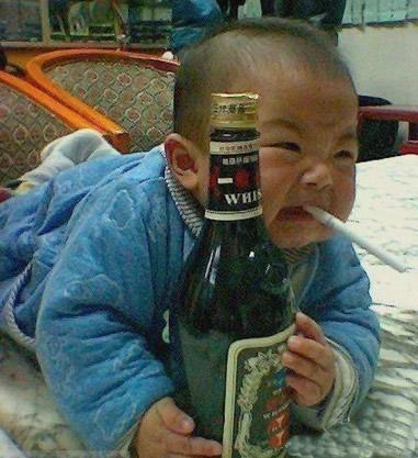 这个小孩子很威武啊!